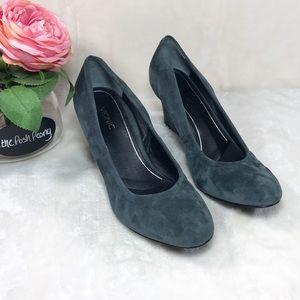 Vionic Lux Camden Gray Suede Wedge Heels Sz 10